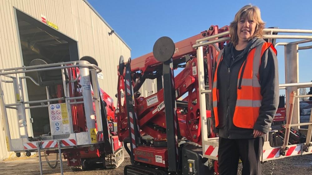 Vertikal UK does well with Hinowa image